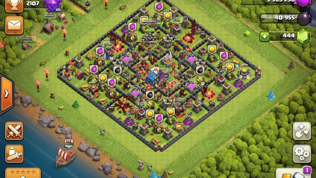 playing clash of clans  // looking for clan members