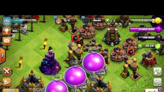 Clash of Clans: Cool P.E.K.K.A chasing butterfly effects!